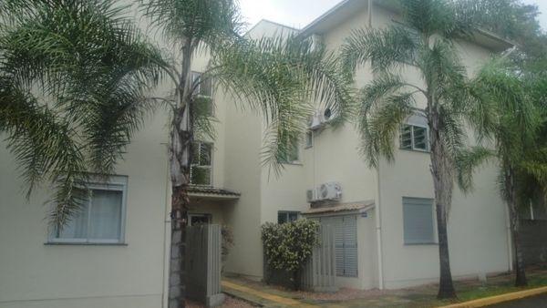 Apartamento com dois dormitórios no Centro