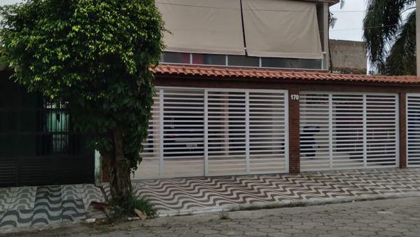 EXCELENTE CASA SOBREPOSTA 02 DORMITÓRIOS COM PLANEJADOS VARANDA  GOURMET NO MARACANÃ