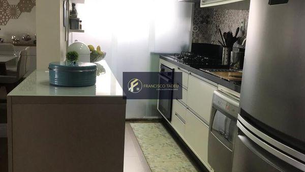 Apartamento 3 dormitórios (1 suíte com closet), 2 vagas - À Venda - Vila Gumercindo - SP
