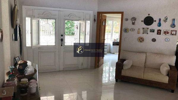 Casa de Condomínio com 4 dormitórios e 4 vagas, Swiss Park, à Venda  por R$ 2.800.000