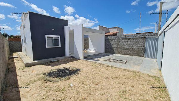 Casa a venda no bairro Belo Horizonte Mossoró | 2 quartos, 2 Banheiros, coberta na laje