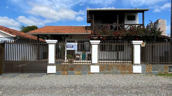 Perequê - Casa 1 Suíte  2 Dormitórios 2 Vagas