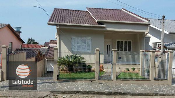 Casa no Centenário, 2 quartos e uma excelente área de convivência e lazer!!!