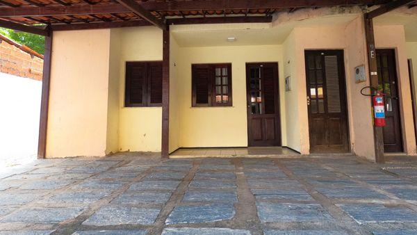 Apartamento em condomínio á venda - Guajiru/Fortaleza