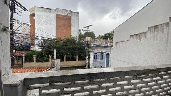 casa com 4/4 em Nazaré, rua jogo do carneiro