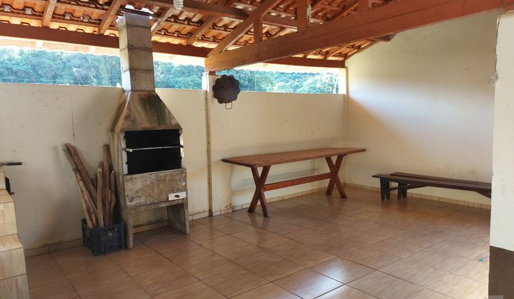 Casa em alvenaria no Bairro da Cachoeira, em Ribeirão Branco, São Paulo.