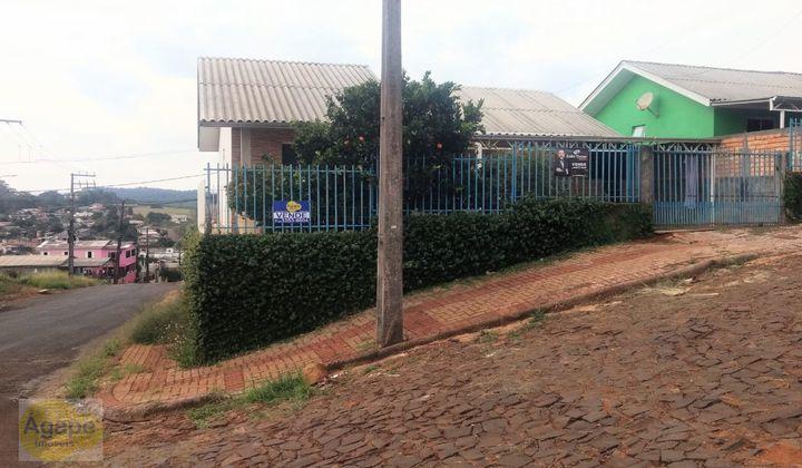 Casa localizada no Bairro Chagas