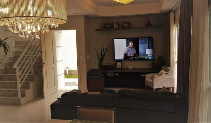 Casa em condomínio no bairro Santa Mônica