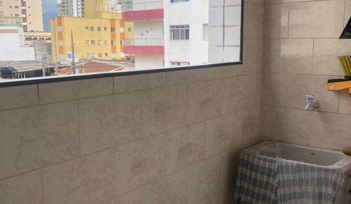 APARTAMENTO 2 DORMITORIOS NA VILA CAIÇARA HÁ 100 METROS DA PRAIA