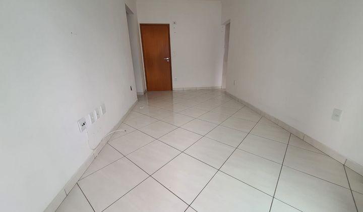 Apartamento na Cidade Ocian, com 01 quartos