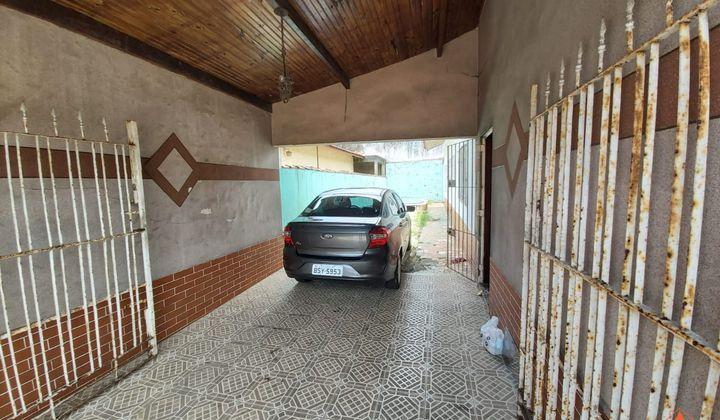CASA ISOLADA 2 DORMITÓRIOS COM  PISCINA NO MARACANÃ