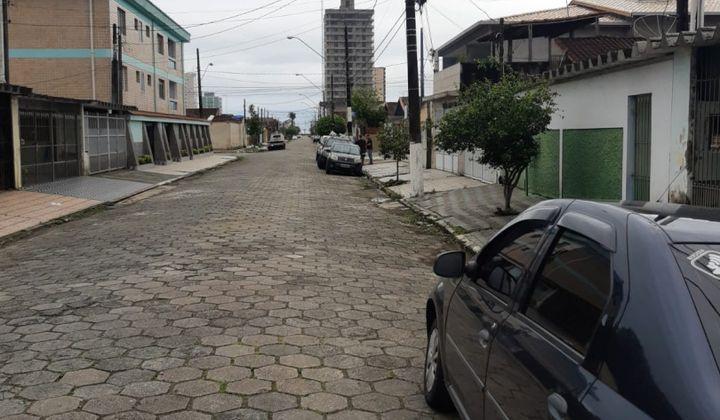 EXCELENTE CASA DE CONDOMÍNIO 2 DORMITÓRIOS 1 SUITE CAIÇARA PRAIA GRANDE
