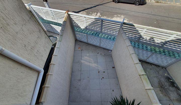 SOBRADO INDIVIDUAL 02 DORMITÓRIOS COM 01 SUÍTE  SACADA NO CAIÇARA