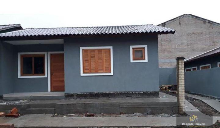 Casa nova no Porto verde - Três dorm. suíte, piso em porcelanato, duas vagas para carro-