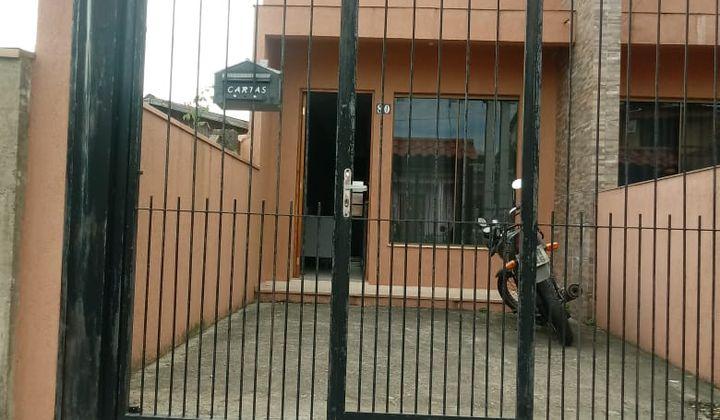 Vendo ótima Casa dois dorm. Jardim Algarve