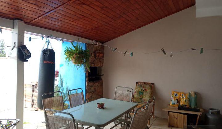 Sobrado com 3 Quartos e Piscina no Porto Verde