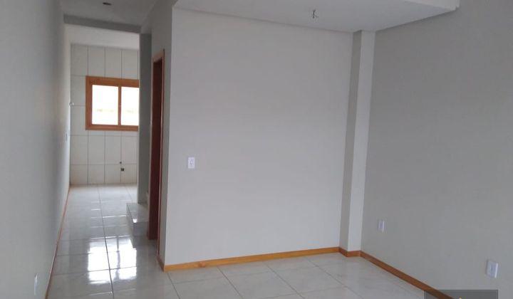 Sobrado localizado no bairro Porto Verde 2 dormitórios
