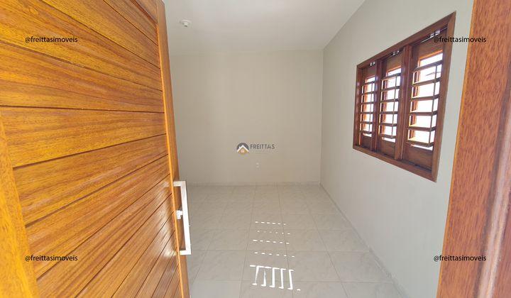 2 quartos, 1 banheiro, coberta na laje, totalmente sombra