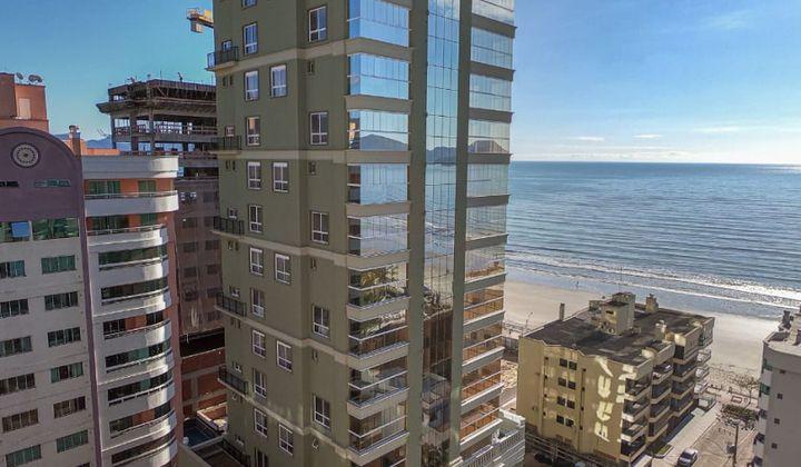 Meia Praia - Apartamento de Luxo a Poucos Passos do Mar
