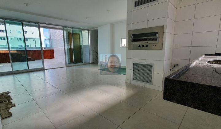 Cobertura em Altiplano, João Pessoa com 3 suítes, DCE e 5 vagas de garagem