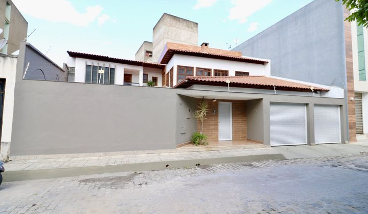 Casa com 4 quartos em Maria Ismênia