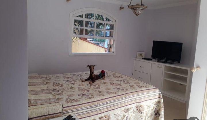 Casa 4 dormitórios - Jd Textil