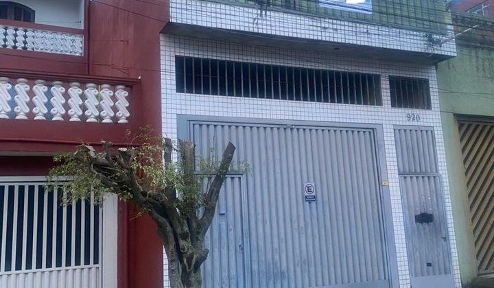 Casa individual - Jardim Santa Adélia